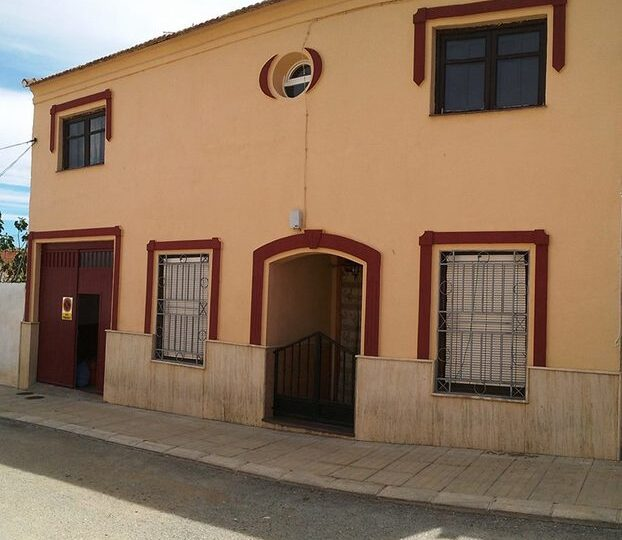 for-sale-reduced-townhouse-caniles