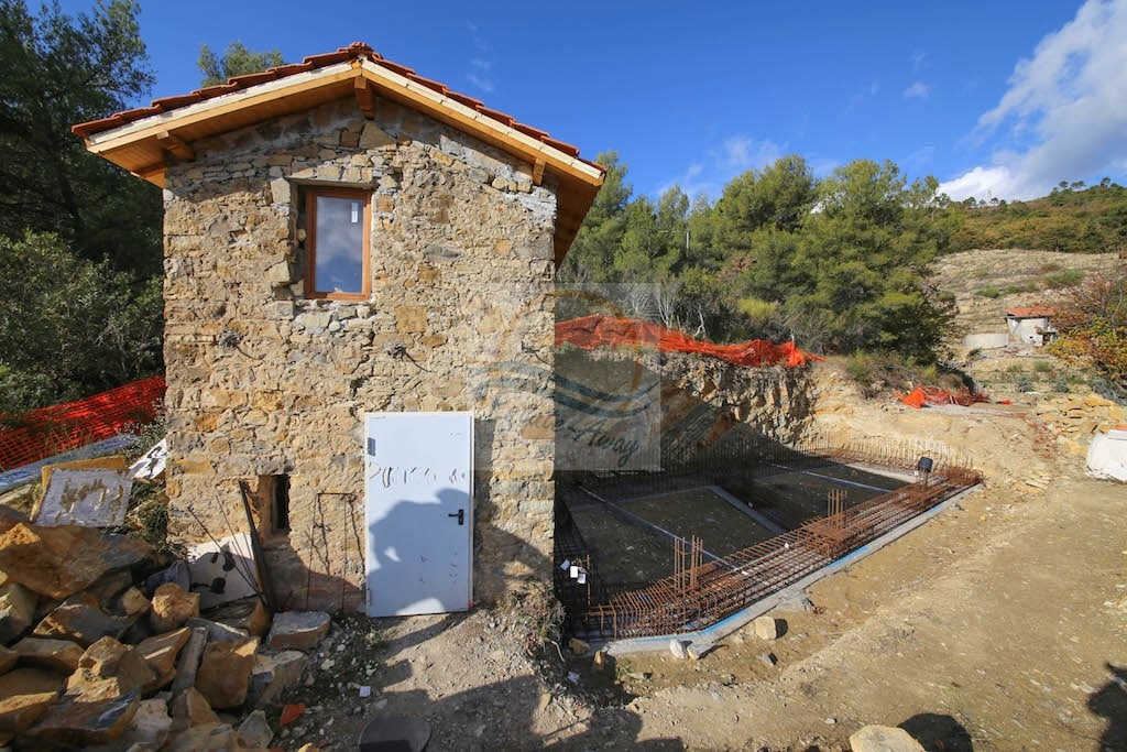 For-Sale-Rustic-Renovation-Vallebone