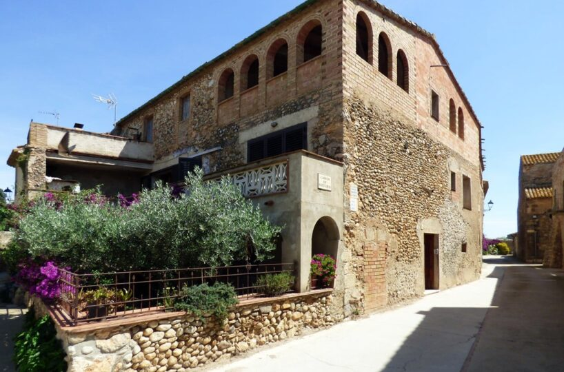 for-sale-country-house-ventello-girona-spain