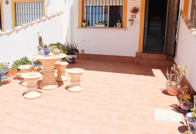 Long term rental vistabella spain