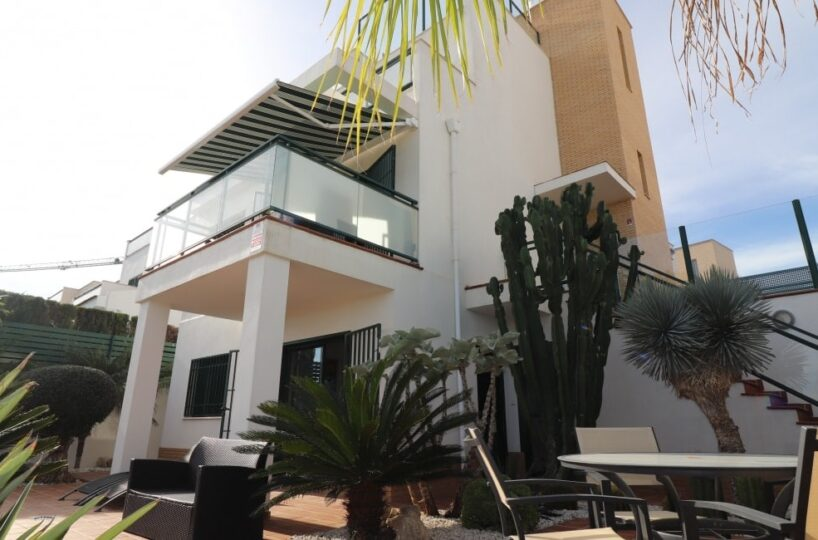 Property for sale in Quesada Spain