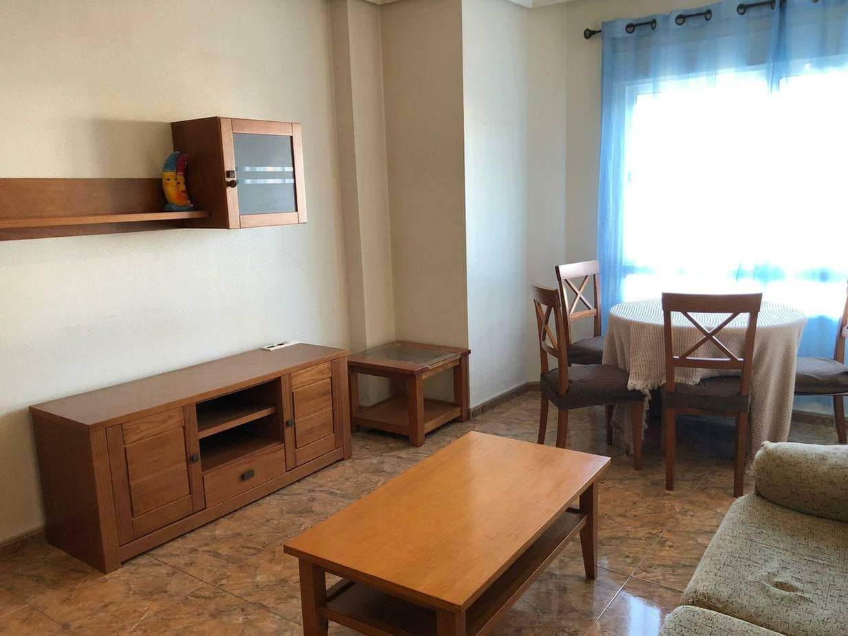 For long term rent in Catral