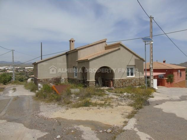 Property for sale in Cantoria