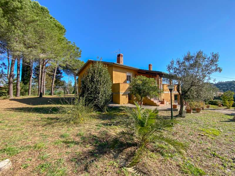 Property for sale in Pisa