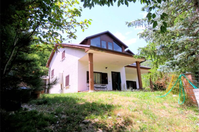 Property for sale in San Ginesio